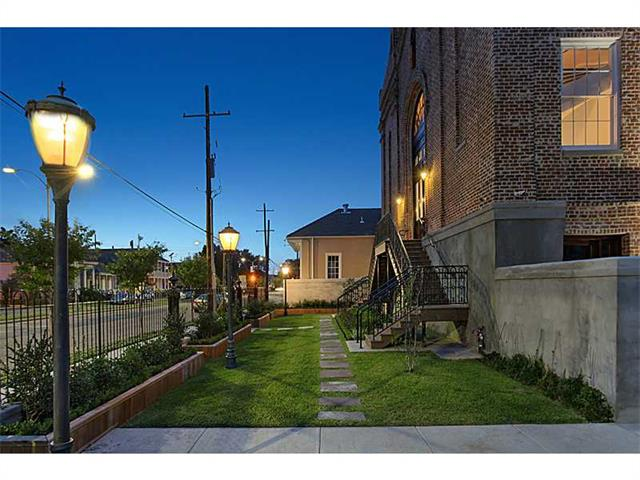 709 jackson avenue unit204 new orleans louisiana 70130 overview location rooms features aloadofball Image collections